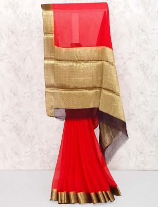 Red hue pretty saree in georgette fabric
