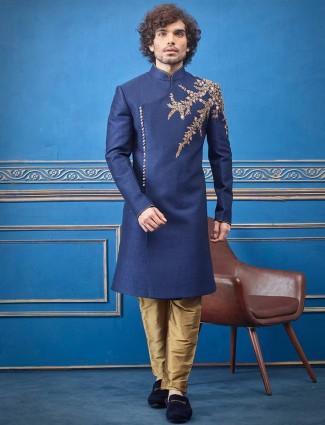 皇家蓝色棉质丝绸印度洋装,配以金色长形组合
