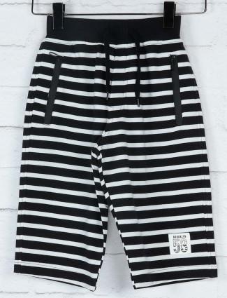 Ruff black and white stripe pattern short