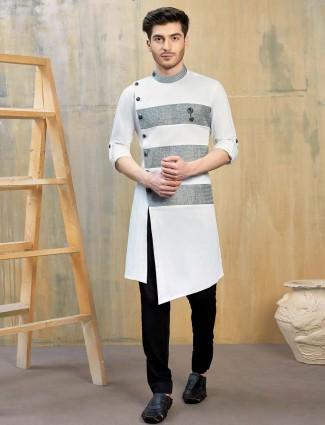 简单的白色色调棉派库尔塔套装