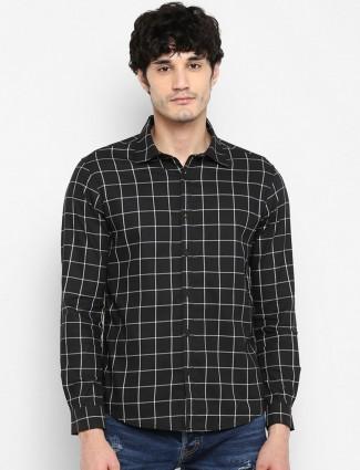 Spykar slim collar black checks mens shirt