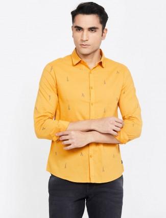Spykar yellow printed slim fit shirt