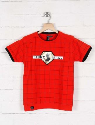 Sturd red checks cotton fabric t-shirt