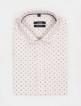 TAG peach formal wear printed slim fit shirt
