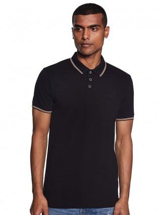 UCB纯黑色T恤