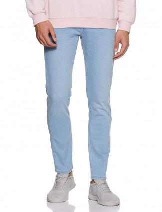 贝纳通United Colors纯色天蓝色紧身牛仔裤