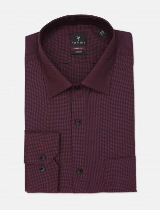 Van Heusen solid maroon cotton mens shirt