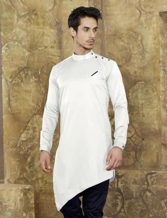 White color festive short kurta