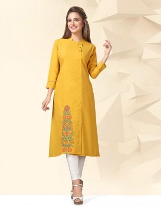 Yellow colored cotton casual kurti