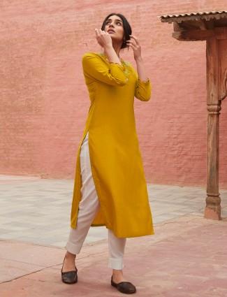 Yellow printed casual kurti in cotton