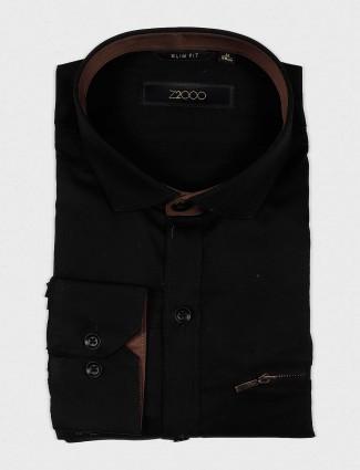 Zillian black solid slim fit shirt