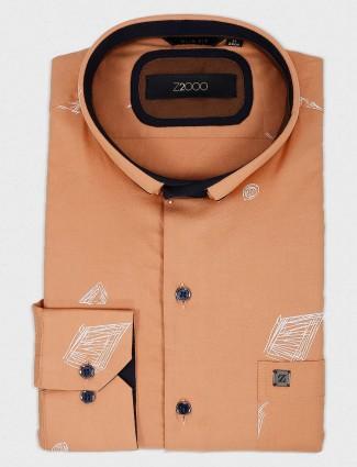 Zillian peach printed slim fit shirt